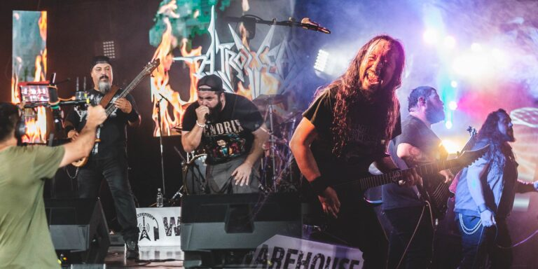 Espectadores: Warehouse – Weight Of Emptiness y Atrozfear Online